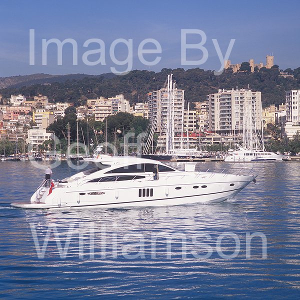 GW32335-60 = Boat Show Bound - Princess V-70 motor yacht ( with Belver